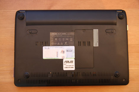 Back view of Asus EeePC 1005ha pu1x bk